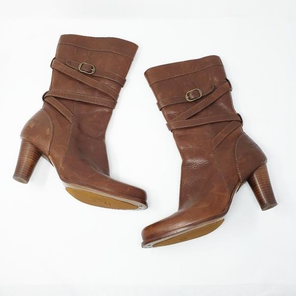 bc004245755 Ugg Caroline Cigar Leather Shearling Heel Boots